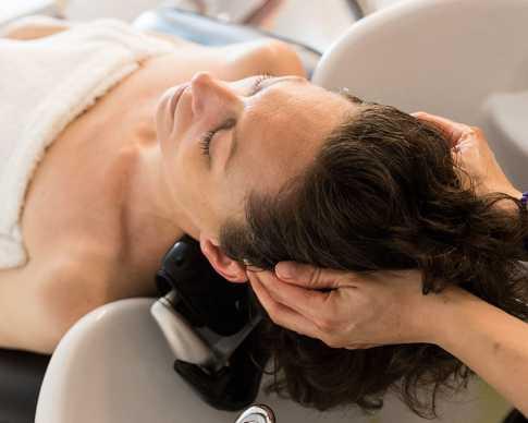 massage-capillaire-coiffeur (2).jpg